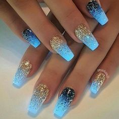 Finding the Best Nail Designs has never been easier than with Best Nail Art. We Finding the Best Nail Designs has never been easier than with Best Nail Art. Blue Nail Designs, Best Nail Art Designs, Acrylic Nail Designs, Blue Design, Glitter Nail Designs, Trendy Nail Art, Easy Nail Art, Cool Nail Art, Dark Nails