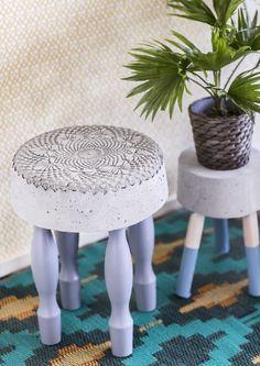 Tee tyylikäs betonijakkara ja kukkapöytä sen kaveriksi – katso ohje!