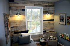 DIY pallet wall- doing this in Saylor's room;East Coast Creative {formerly RHBC}: Pallet Possibilities {Pallet Wall} Wooden Pallet Wall, Wooden Pallets, Pallet Walls, Wood Walls, Wood Paneling, Pallet Boards, Free Pallets, Painted Pallets, Wall Panelling
