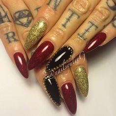 Red Gold Black Glitter Almond Stiletto Nails @nailsyulieg