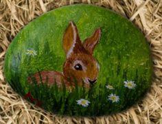 little_bunny___rock_painting_by_annamoon77-d6jmuc1.jpg (455×350)