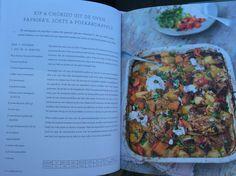 Kip en chorizo uit de oven met paprika's en zoete & pofaardappels Uit Jamie Oliver - superfood voor familie en vrienden Jamie Oliver, Chorizo, Superfoods, Super Foods