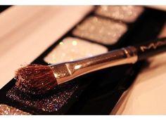 <3 sparkly makeup