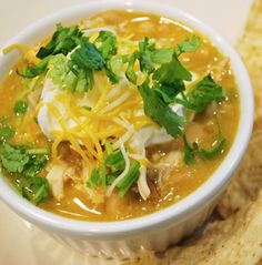 Biggest Loser White Chicken Chili:  sounds vet good and healthy!