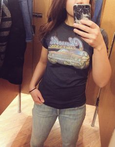 Elise Bauman‏  @elise3aum   SHOULD I BUY THIS VINTAGE CHEVELLE T-SHIRT yes no maybe so