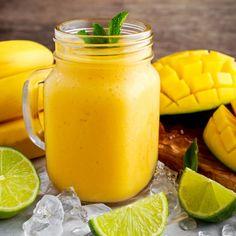 Mango smoothie Moringa Powder, How To Make Drinks, Jus D'orange, Hand Blender, Nutrition, Vegan Ice Cream, Cooking Tips, Healthy Snacks, Healthy Life
