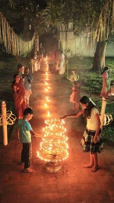 """Festival - Another huge component of the Indian culture is the """"The Festival of Lights"""", Diwali. It represents light defeating evil and is celebrated in the fall. Festivals Of India, Indian Festivals, India Linda, Bollywood Stars, Om Namah Shivaya, Diwali Festival Of Lights, Monuments, Happy Diwali Images, Diwali Celebration"""