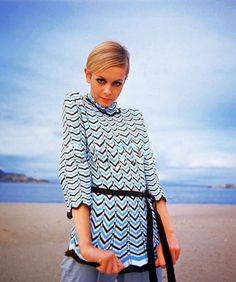 Twiggy .. love the hair... thinking about that cut?  thoughts anyone?