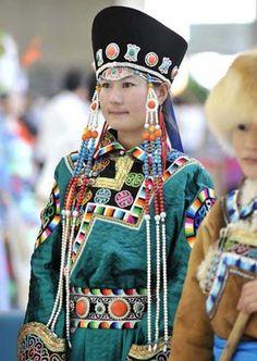 Wuzhumuqin male costume