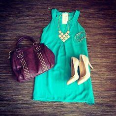 green dress and nude beige heels