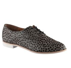 (Im)patiently awaiting the arrival of these lovely leopard oxfords on my doorstep. From Little Burgundy <3