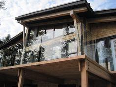 Beautiful Modern Okanagan Home Designed by Discovery Dream Homes.  #Log #Timberframe #Custom #Okanagan #Modern #Contemporary #DiscoveryDreamHomes