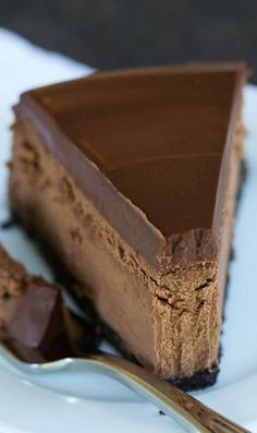 Chocolate Lover's Cheesecake is TO DIE FOR. So much chocolate in this chocolate dessert, so little time. Chocolate Cheesecake Recipes, Chocolate Desserts, Chocolate Lovers, Chocolate Ganache, Double Chocolate Cheesecake, Chocolate Filling, Flourless Chocolate, Oreo Cheesecake, Delicious Chocolate