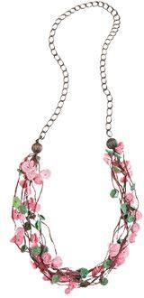 Moda em crochê: colar de flores - Moda, Beleza, Estilo, Customizaçao e Receitas - Manequim - Editora Abril - Foto: Bruna Vilas Boas