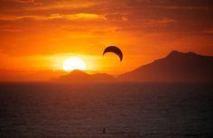 0_4873_0_3162_one_rio-sunset-orange-sky-kite-surfing-joaquim04.jpg (995×646)