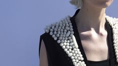 3D Printing: New York fashion designer Alexis Walsh showcases 3D printed APEX coat - https://3dprintingindustry.com/news/new-york-fashion-designer-alexis-walsh-showcases-3d-printed-apex-coat-110645/?utm_source=Pinterest