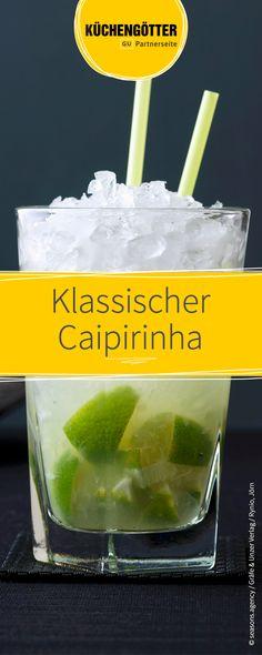 Einer der beliebtesten Cocktails überhaupt: Die Caipirinha kommt ursprünglich aus Brasilien und wird mit Cachaca, Limette und Rohrzucker zubereitet. Wir haben das schnelle Rezept für euch!