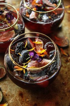 Blackberry Fig and Bourbon Punch - Heather Christo Winter Drinks, Holiday Drinks, Summer Drinks, Fun Drinks, Beverages, Liquor Drinks, Craft Cocktails, Halloween Drinks, Halloween Dinner