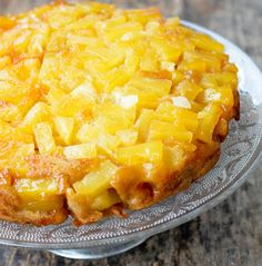 Recette: Gâteau renversé à l'ananas caramélisé. Deodorant For Women, Tutti Frutti, Hawaiian Pizza, Cheesecakes, Macaroni And Cheese, Biscuits, Caramel, Cooking Recipes, Sweets