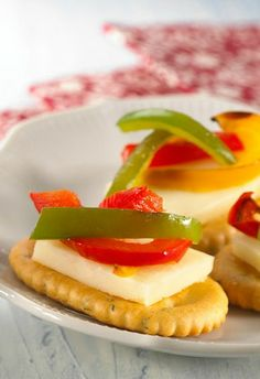 Grilled Medley Crackers with bell peppers and cheese—a perfect appetizer for any gathering!