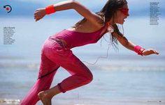 keep on movin': leeny ivanisvili by drew jarrett for elle italia june 2013 ♥ model: leeny ivanisvili (monster) photographer: drew jarrett stylist: sofia odero hair: gabriele trezzi (closeup) make-up: silvia dell'orto (facetoface) Elle Fashion, Sport Fashion, Urban Fashion, Fitness Fashion, Fashion Models, Beach Fashion, Runner Girl, Girl Running, Sporty Style