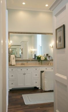 vanity between sinks: only room for one column of drawers on each sink