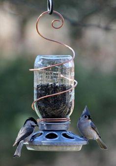 mangeoire oiseaux en bocal pour le jardin