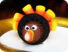 Cute turkey cookies!  Done! I did this as a kid's craft with grade-schoolers and they loved it! I liked it a lot too. =)