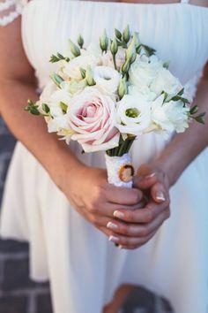 Wedding Bouquets, Wedding Dresses, Table Decorations, Flowers, Wedding Ideas, Diy, Wedding, Lily, Bride Dresses