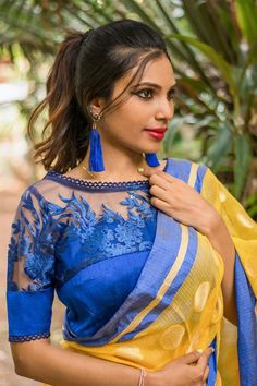 Latest Saree Blouse Designs To Try. Ethnic and cultural wear such as sarees are a trademark of the subcontinent women. sarees are a gift to the women of the subcontinent from their rich culture. Latest Saree Blouse, New Saree Blouse Designs, Netted Blouse Designs, Latest Sarees, Saree Blouse Patterns, Designer Blouse Patterns, Designer Dresses, Cheongsam, Hanfu