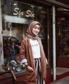 Inspiration Hijab Outfit Of The Day – Sehijab hijab casual – Hijab Fashion 2020 Modern Hijab Fashion, Street Hijab Fashion, Muslim Fashion, Korean Fashion, Fashion Outfits, Hijab Casual, Hijab Chic, Hijab Mode Inspiration, Hijab Stile