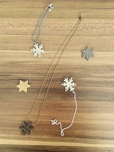 Harika kolyeler ve bilezikler Beaded Jewelry Designs, Seed Bead Jewelry, Handmade Beads, Handmade Jewelry, Diy Collier, Peyote Beading, Bijoux Diy, Christmas Jewelry, Brick Stitch