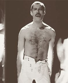 Freddie Mercury R.P Freddie Mercury was one of the greatest rock singer of the Queen Pictures, Queen Photos, Queen Videos, Love You Gif, Queen Meme, Somebody To Love, Queen Freddie Mercury, Queen Band, Killer Queen