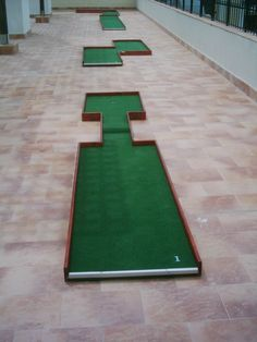 Mini Golf Ltd - Miniature golf plans and layouts. Custom made Miniature golf obstacles. Guide on how to build a minigolf course Putt Putt Golf, Miniature Golf, Golf Courses, Boards, Miniatures, Backyard, Outdoor Furniture, Game, Building