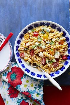 Chipotle Pasta Salad - On Poinsettia Drive Food Network Recipes, Cooking Recipes, Fun Recipes, Picnic Side Dishes, Mini Sweet Peppers, Watermelon Salad, Juicy Steak, Pasta Salad Recipes, Food Salad