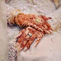 Mehndi Design Offline is an app which will give you more than 300 mehndi designs. - Mehndi Designs and Styles - Henna Designs Hand Henna Designs Back, Latest Henna Designs, Indian Henna Designs, Modern Mehndi Designs, Bridal Henna Designs, Mehndi Designs For Hands, Legs Mehndi Design, Mehndi Design Pictures, Beautiful Mehndi Design