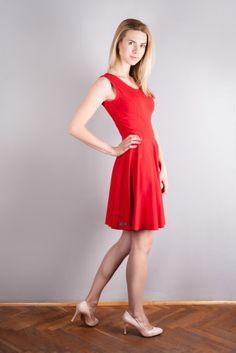 Sukienka z cienkiej dzianiny bawełnianej – Red velvet http://bozzolo.pl/kobieta/sukienki-dzianinowe-sklep-internetowy.html