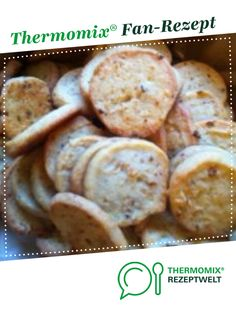 Käseplätzchen mit Röstzwiebeln Cheese Cookies with Fried Onions by A Thermomix ® recipe from the baking category www.de, the Thermomix ® community. Valentines Baking, Cheese Cookies, Snacks Für Party, Fried Onions, Southern Recipes, Baking Ingredients, Yummy Snacks, Finger Foods, Holiday Recipes