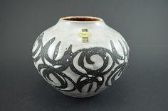 Wet Deutsche Keramik Vase von Jasba, Kugelvase, WGP, Mid Century, 1960, schwarz grau von ShabbRockRepublic auf Etsy