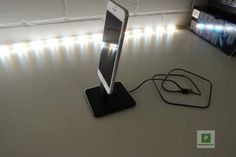 Mit dem iPhone Gadgets, Iphone, Lighting, Home Decor, Desk, Decoration Home, Light Fixtures, Room Decor, Lights