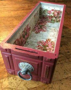 new ideas sewing machine drawers repurposed upcycling storage Cocina Shabby Chic, Shabby Chic Kitchen, Shabby Chic Homes, Casas Shabby Chic, Vintage Shabby Chic, Shabby Chic Decor, Vintage Sewing, Repurposed Furniture, Shabby Chic Furniture