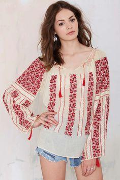 Vintage Lupita Embroidered Blouse - All Bohemian Mode, Boho Chic, Boho Outfits, Cute Outfits, Estilo Hippy, Bohemian Blouses, Embroidery Fashion, Hand Embroidery, Boho Fashion