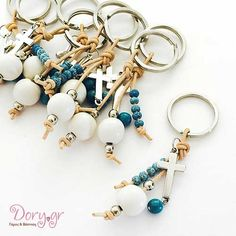 Handmade invitations & bobonieres for Greek Orthodox weddings & baptisms in Glyfada- Martyrika - Handmade keychain with howlite Diy Jewelry, Jewelery, Handmade Jewelry, Jewelry Making, Handmade Keychains, Diy Keychain, First Holy Communion, Key Fobs, Bead Crafts