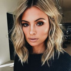20 beste kurze Haare für welliges Haar You are in the right place about wavy hair sew in Here we off Cute Simple Hairstyles, Cool Short Hairstyles, Pretty Hairstyles, Short Hair Styles, Hairstyle Ideas, Hairstyle Short, Wavy Lob Haircut, Hairstyles Haircuts, 2018 Haircuts