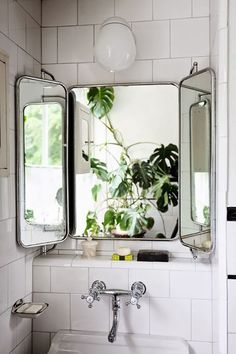 love that vintage bathroom mirror! / Moon to Moon: Creating a Relaxing Bohemian … love that vintage bathroom mirror! / Moon to Moon: Creating a Relaxing Bohemian Bathroom Bad Inspiration, Bathroom Inspiration, Interior Inspiration, Mirror Inspiration, Bohemian Bathroom, Industrial Bathroom, Vintage Industrial, Industrial Style, Bathroom Vintage