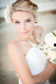 2 Piece Veil and Hair Flower Bridal Headpiece by @deloop