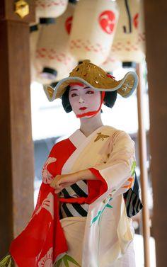 雀踊り(Sparrow dance) 舞踊奉納 Kyoto, JAPAN