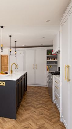 Bespoke kitchens expertly crafted, designed and handmade in Kent from Herringbone Kitchens. Visit our kitchen studio in Canterbury. Studio Kitchen, Kitchen Design, Kitchen Decor, Dream Kitchens, Black Kitchens, Bespoke Kitchens, Kitchen Inspiration, Pittsburgh, Farmhouse Style