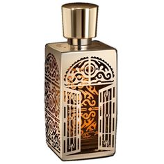 Lancome L'Autre Oud EDP 75ML-Seventeen ingredients were carefully selected to convey the point and the theme as best as they can. It starts off with spicy notes of saffron, cypriol from India, labdanum absolute and aromatic clary sage. The heart consists of Turkish rose and Bulgarian rose absolute.