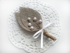 This is a rustic, shabby chic burlap boutonniere, perfect for the Groom and wedding party to wear on your wedding day. Awesome for: Country Wedding Barn Wedding Outdoor Wedding Fall Wedding Rustic Wedding Shabby Chic Wedding ♥Set of 10- Burlap Grooms Boutonniere Made with